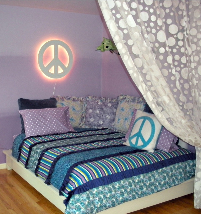 youre-home-custom-interiors_colorful-purple-teen-bedroom_01