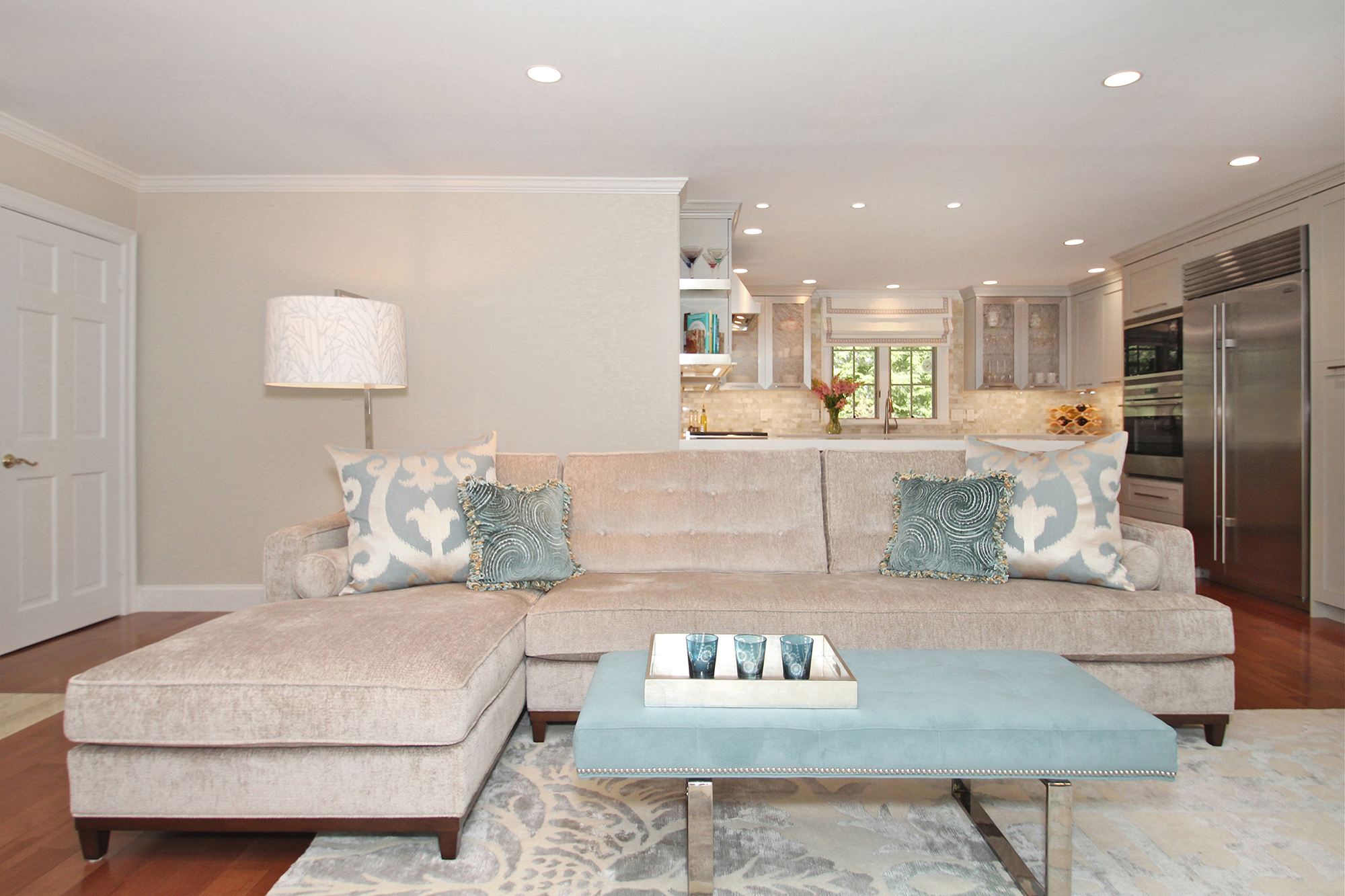 Family room with large, luxurious entertaining space